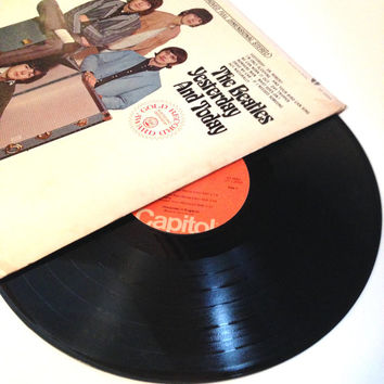 Vinyl Record The Beatles Yesterday and Today 1966 Psychedelic Day Tripper Nowhere