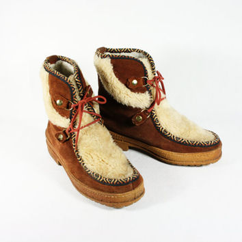 Vintage Ladies Suede Mukluk Boots Made in Italy, size 39, U.S. size 8