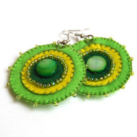 Green Dragoon - Felt earrings with bead embroidery