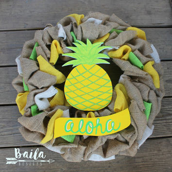 pineapple burlap wreath, pineapple decor, fun summer wreath, pineapple door decor, gold pineapple, pineapple door hanger, welcome pineapple