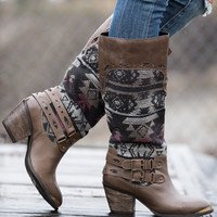 Desert Walkabout Tribal Buckle Boots (Taupe)