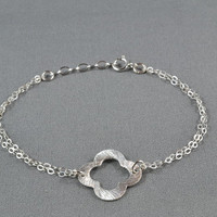 Brushed Quatrefoil Clover Bracelet, Sterling Silver, Double Chains, Modern, Simple, Pretty, Metal Charm Bracelet