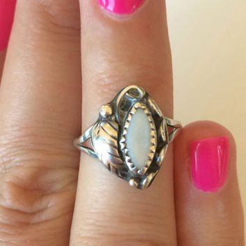 Vintage Navajo Handcrafted Signed by artist Sterling Silver And Mother of Pearl Leaf Motif Ring Size 7