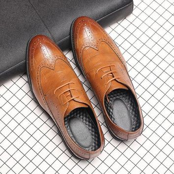Men Large Size Microfiber Leather Pointed Toe Brogue Business Casual Shoes