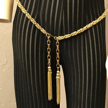 Vintage 80s Gold Tone Waist Chain with Tassels / Baroque Style Womens Belt / Glam Chain Link Belt / Gold Metal Chain Rope Belt / Fab Retro