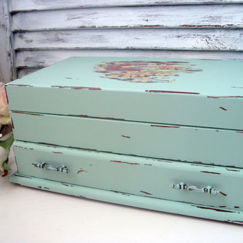 Shabby Chic Mint Green Jewelry Box, Green Painted Vintage Jewelry Chest, Sea Glass Green Jewelry Holder, Distressed Jewelry Box, Up Cycled