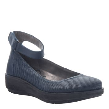 New OTBT Women's Flats Scamper in New Blue