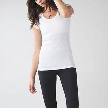 ICIKU3N run: swiftly tech short sleeve scoop | women's tops | lululemon athletica