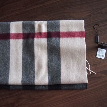 Authentic Burberry Half Mega Check Scarf 100% Cashmere (Color Trench, 36x200cm)