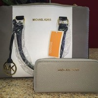 Replica Michael Kors Purse & Wallet Set