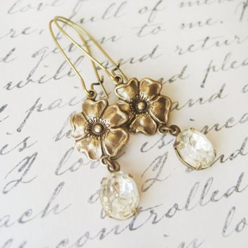 Vintage Rhinestone Bridal Earrings // Flower, Floral, Estate Style, Drop Earrings, Wedding Accessories, Bridal Jewelry, Jewellery