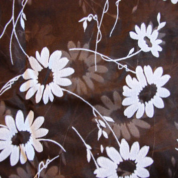 Vintage 1960s Fabric Sheer Organza with White Daisies Floral Fabric