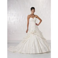 Elegant sweetheart sleeveless taffeta wedding dress