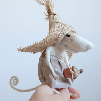 Cute mouse, felting, felt mouse needle mouse,  felt miniature, needle animal, felt ornament, peasant mouse, tender mouse