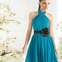 Glamorous Sheath/Column Halter Mini Chiffon Prom Dress