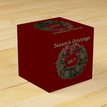 Green Waterloo Wreath Favor Box
