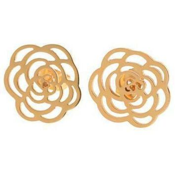 DCCKNQ2 Chanel Woman Fashion Flower Hollow out Stud Earring For Best Gift