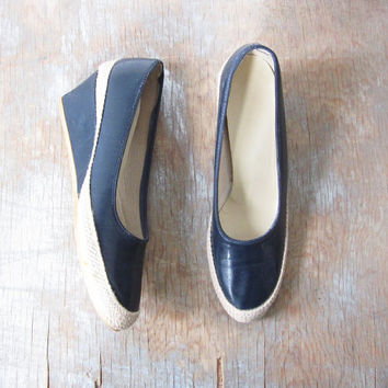 SALE navy wedge espadrilles / vintage 80s navy wedge shoes / size 6 shoes