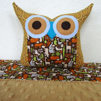 Boy quilt/Animal print /Minky Baby blanket  come with an extra cute owl pillow//Ready to ship