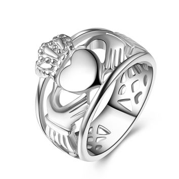Claddagh ring Hand to Hold a Heart with Crown Ring Stainless Steel Wedding ring