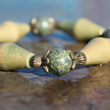 Autumn Theme Serpentine and Wood Bead Stretch Bracelet with Antique Brass-finish Accents