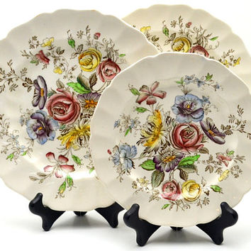 3 Pcs Vintage Sheraton Johnson Bros Plates, 2 Dinner Plates, 1 Salad Plate, Made in England, Hand Engraved Earthenware, circa 1940s