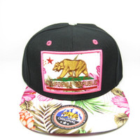 + Snapback California in Fuchsia