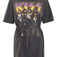 Kiss Belted Tunic Top by And Finally