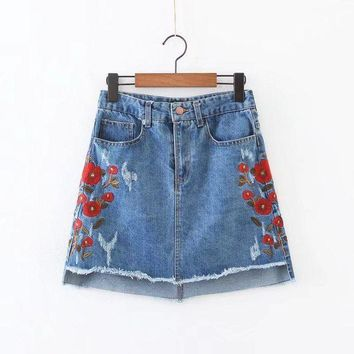 PEAP78W 2017 Summer Fashion Women Vintage Embroidery Flower Jean Skirts Lady High Waist Blue Frayed A-line Mini Denim Skirts BC8241-0525