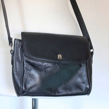 Vintage 80s Handbag /  Etienne Aigner Shoulder Bag / Designer Black Leather Crossbody Purse/ Small Saddlebag / 80s Fashion