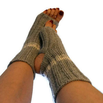 Spa Socks Hand knitted yoga socks Flip flop socks Pedicure socks Pilates socks Dance socks vegan socks Gray Yoga socks  Gray Leg Warmers