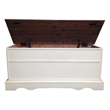 Cedar Box/Chest with Lid | Overstock.com Shopping - The Best Deals on Coffee, Sofa & End Tables