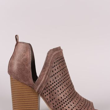 Qupid Perforated V-Cut Chunky Heeled Distressed Ankle Boots