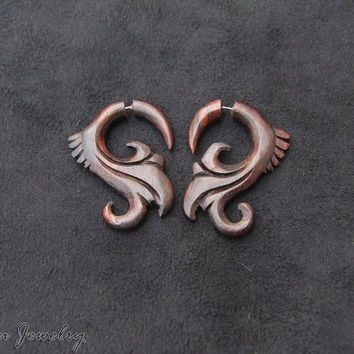 Bali Wood Earring, Fake Gauge Taper Earring w Tribal Style Design Fake Gage Wooden Earrings FGW-0105-1