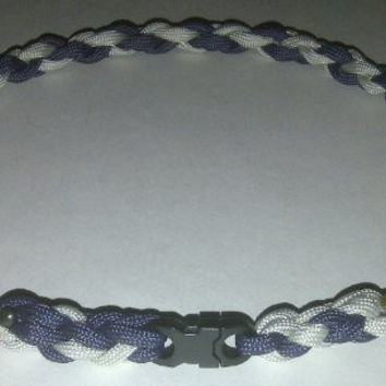 Paracord Sports Necklace Twisted Blue & Silver (X-Large (24 inches))