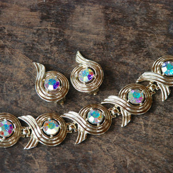 Vintage SARAH COVENTRY Link Bracelet Clip On Earrings Aurora Borealis Rhinestones Gold Tone Swirl 1960's // Vintage Designer Costume Jewelry