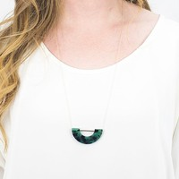 Umbra Necklace