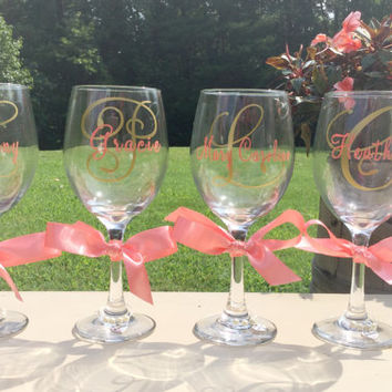 Bridesmaid wine glasses bridal party gift set personalized wedding wine glasses