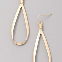 Eliza Tapered Hoop Earrings - Gold