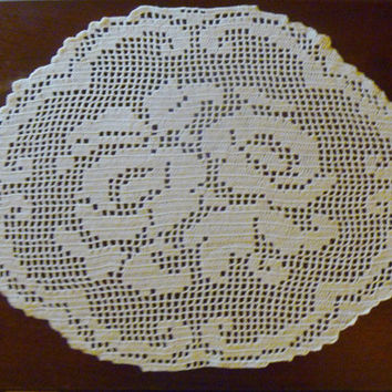 Filet Crochet Rose Table Topper/Large Doily