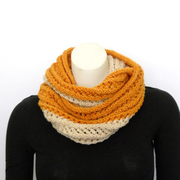 Chunky Infinity Scarf in Honey Gold and Cream, Handknit  Gold Cowl Made with Handpainted Wool Yarn, Chunky Knit Scarf, Biscuits and Honey