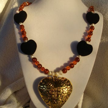 Amber and pearl glass beaded gilded heart necklace - Romeo and Juliet Inspired - Ever After Inspired - Valentines gifts for her - Valentines