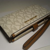 NEW Michael Kors Vanilla PVC Jet Set Double Zip Phone Case Wallet Wristlet MK