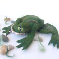 Felt frog  purse  Green creature  gift  under 50 creature
