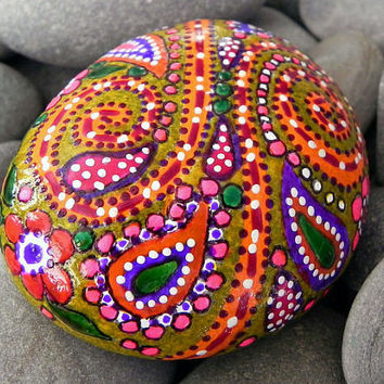 Happy Hippie Sunshine /Painted Rock / Sandi Pike Foundas