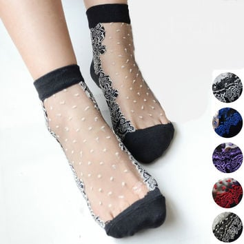 Women short socks Colorful Ultrathin Transparent Beautiful Crystal Lace Elastic Short Socks Calcetines Pink Sock for Women meias