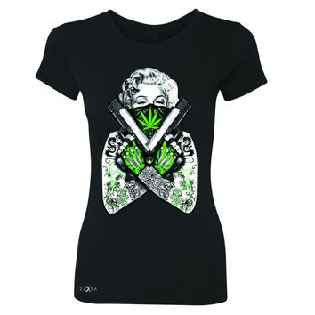 Marilyn Monroe Weed Bandana Women's T-shirt American Beauty Guns Tee