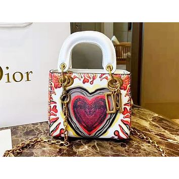 DIOR selling a shoulder bag with fashionable heart print and color contrast Shopping bag for casual ladies