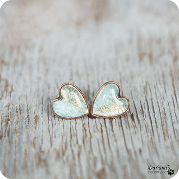 Stud earrinngs  Mint and Gold Hearts by Dariami on Etsy