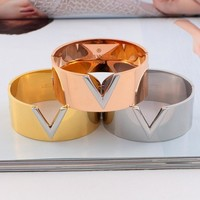 LV Louis Vuitton Fashionable Women Men Simple Titanium Steel Bracelet Accessories Jewelry